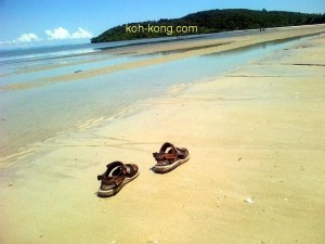 The forgotten shoes on the sner beach.